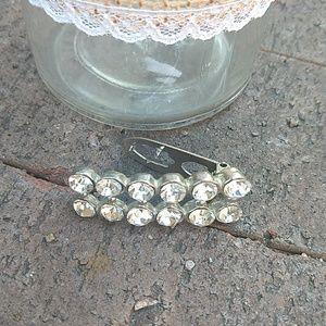 3/$15 Vintage rhinestone clip